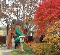 Incorporate the play center and house in one  built by kids 50 tree houses