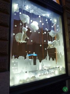 Interactive-christmas-window-display-by-Wellen-Prague-05.jpg 650×867 pixels