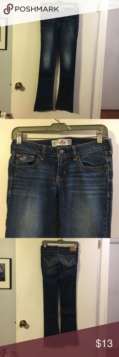 Hollister bootcut jeans 5 pocket. Cotton with a touch of spandex. W26. L33 Hollister Jeans Boot Cut