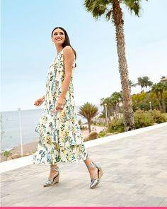 Blomstrete kjole for store størrelser hos KLiNGEL High Low, Summer Dresses, Fashion, Moda, Fashion Styles, Fasion, Summer Outfits, Summertime Outfits, Summer Outfit