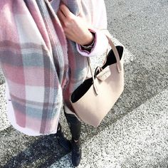 Pink & Plaid #tgif ☀️☄#onmyway @wearevilegallery #ootd #outfit #pink #plaid #pinkcoat #plaidscarf #pastel #pastellover #stylesubmit #style #fashionblogger #frenchblogger #swissfashionblogger #instafashion #fashion #onthego #thepastelproject