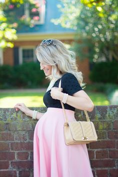 A classy and chic maternity look in Blush & Black | J'adore Lexie Couture