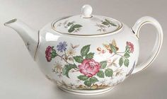 Wedgwood Charnwood (Bone) Teapot & Lid