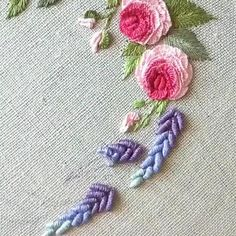 Hand Embroidery Patterns Flowers, Hand Embroidery Videos, Embroidery Stitches Tutorial, Hand Work Embroidery, Creative Embroidery, Simple Embroidery, Silk Ribbon Embroidery, Crewel Embroidery, Hand Embroidery Designs
