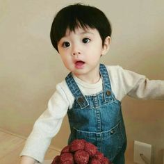kid child children girl boy baby cute kawaii adorable korean pretty beautiful hot fit japanese asian soft aesthetic 孩 子 g e o r g i a n a : 人 Cute Asian Babies, Korean Babies, Asian Kids, Cute Babies, Cute Baby Boy, Cute Little Baby, Little Babies, Cute Boys, Kids Girls