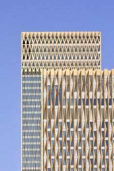 Twin towers in Kuwait City reference vernacular Arabic architecture Architecture Design, Hotel Architecture, Islamic Architecture, Facade Design, Exterior Design, Zaha Hadid, Twin Towers, Sri Lanka, Decorative Metal Screen