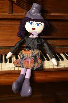 Handmade Dolls, Fabric Dolls, Art Girl, Facebook, Toys, Anime, Fashion, Activity Toys, Moda