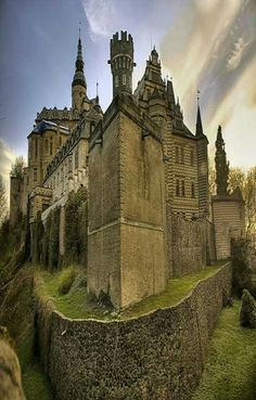 Medieval Frydland Castle overlooks the river Smědava at the foothills of the Jizerské Mountains in Czech Republic Beautiful Castles, Beautiful Buildings, Beautiful Places, Modern Buildings, Modern Architecture, Chateau Medieval, Medieval Castle, Oh The Places You'll Go, Places To Travel