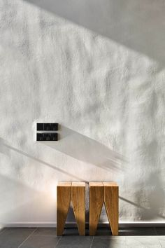 Interior design ideas, home decorating photos and pictures, home design, and contemporary world architecture new for your inspiration. Stucco Walls, Plaster Walls, Stucco Interior Walls, Wood Walls, Textures Murales, Plaster Texture, Wood Texture, Interior Architecture, Interior Design