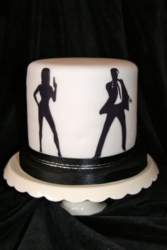 Made for a truly fantastic James Bond birthday party. (Had some issues with using cheap supermarket fondant to cover initially! James Bond Cake, James Bond Party, James Bond Theme, James Bond Wedding, Casino Royale Theme, Spy Party, Party Time, Casino Cakes, Elegant Cakes
