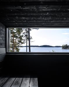 Wooden house and sauna in Raasepori, Finland. All attention is drawn to the beautiful seascape. Scandinavian Cabin, Sauna House, Sauna Design, Design Design, Natural Swimming Pools, Natural Pools, Spa Interior, Interior Design, Summer Cabins