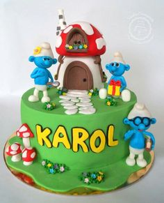 Cute smurfs cake