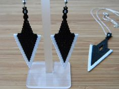 Bianco e nero Arrowhead Seed Bead Set di JaysDesignJewelry su Etsy
