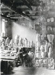 """Look into the workshop in Dornburg Krehans Max, around 1923"""