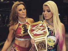 Mickie James team up with Raw Woman Champion Alexa Bliss to take on Sonya DeVille & Mandy Rose Nxt Divas, Total Divas, Wrestlemania 29, Women Boxing, Female Boxing, Wwe Female, Boxing Live, Lexi Kaufman, Mickie James