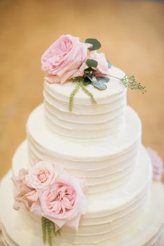 Pink Flowers on Wedding Cake | photography by http://www.carrettophoto.com/
