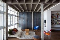 Loft in Sao Paulo by architects Felipe Hess & Renata Pedrosa