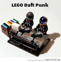 funny-lego-Daft-Punk-djs