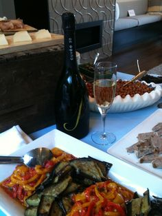 Sondra Bernstein of Girl & the Fig appetizers paired with J Cuvee 20 sparkling wine at 2012 Sunset Magazine Breezehouse.