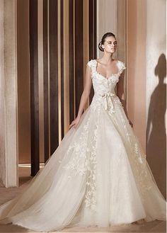 CHIC TULLE SATIN SWEETHEART NECKLINE BALL GOWN WEDDING DRESS LACE FORMAL PROM PARTY BALL GOWN CUSTOM SIZE