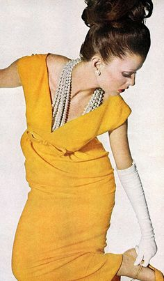 Vogue 1963.  Love yellow with pearls. | Sexy Lady in Yellow with multi-Strands Pearls Necklace | Jewelry Luxury that captures her Style \ #TheJewelryHut