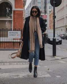 Inspirationsideen Herbst-Winter-Outfits Be Bad .- Inspirationsideen Herbst-Winter-Outfits Be Badass II Mode & Lifestyle – Informationen zu idées inspiration tenues automne-hiver Be Bad… P Mode Outfits, Outfits For Teens, Casual Outfits, Casual Dresses, Denim Outfits, Dress Outfits, Winter Outfits For Teen Girls Cold, Hijab Casual, College Outfits