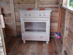 Déco cuisinière enfant  (objet et meuble en palette)