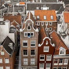Called by many as Holland, the city of Amsterdam is the most checked out center in the Netherlands. Current statistics have shown that more than million travelers are concerning go to Amsterdam per year. Amsterdam Houses, Amsterdam City, Amsterdam Travel, Tales Of The Unexpected, Amsterdam Red Light District, Amsterdam Photos, Dutch House, Unique Architecture, Medieval Town