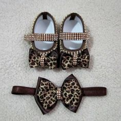 Baby Girl Shoes, Girls Shoes, Kids Fashion, Footwear, Infant Girls, Leopard Loafers, Felt Baby Shoes, Luxury Shoes, Head Bands