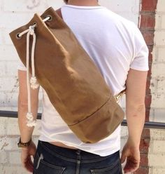 There's something about ditty bags that I love. I think it's the history of them, the fact that they were a kind of rite of passage into sailmaking. Royal Enfield, Diy Bags Jeans, Rare Clothing, Nautical Fashion, Gentleman Style, Minimal Fashion, Sewing Clothes, Just In Case, Casual