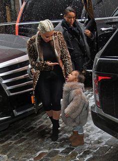 Kim Kardashian West and North West Kim Kardashian Workout, Kardashian Family, Kardashian Style, Kardashian Jenner, Kardashian Fashion, New Fashion, Kids Fashion, Fashion Outfits, Fashion Beauty