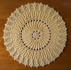 «Sherrie», decorative doily...  Pañito a crochet «Sherrie»...