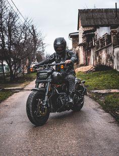 Harley Davidson News – Harley Davidson Bike Pics Harley Davidson Custom, Harley Davidson Fat Bob, Harley Davidson Motorcycles, Custom Motorcycles, Bmw Cafe Racer, Cafe Racer Build, Moto Bike, Motorcycle Bike, Hd Fatboy