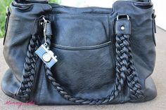 Mommy Katie: #Giveaway Epiphanie Bags (Holiday Guide)