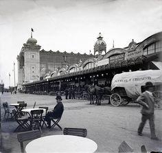 Prague Photos, Czech Beer, Heart Of Europe, Fairytale Castle, Prague Czech, History Photos, Old Postcards, Czech Republic, Historical Photos