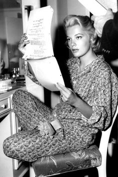 Geena Rowlands reading her lines, back in the days :)