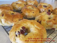 I must try these some day!  Homemade Cranberry Orange Bagels