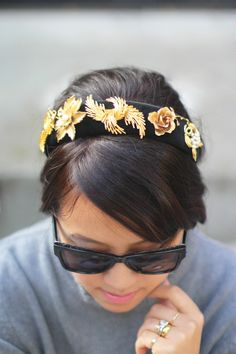 Make yourself a little piece of the runway! Click for a tutorial for these DIY Dolce & Gabbana-inspired vintage brooch headbands to rock some metallic florals this spring for a fraction of the cost!