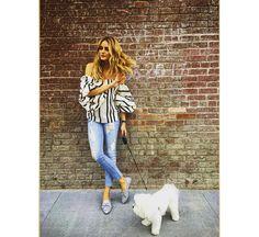 Olivia Palermo luce unos slipper glitter de la firma española Lolita Blu y cuelga una fotografía con ellos en su Instagram... #moda #fashion #cuero #leather #zapatos #shoes #bolsos #bags #marroquineria #leathergoods #estilo #style #lifestyle
