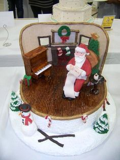 Furniture And Wall Made Of Pastillage Santa And The Trees Made Of Modeling Chocolate Furniture and wall made of pastillage. Santa and the. Santa Cake, Cake Structure, Modeling Chocolate, Christmas Chocolate, Christmas Activities, Holiday Desserts, Gum Paste, Amazing Cakes, Fondant