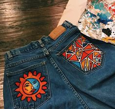 Discover recipes, home ideas, style inspiration and other ideas to try. Painted Jeans, Painted Clothes, Diy Clothing, Custom Clothes, Diy Fashion, Fashion Outfits, Denim Art, Diy Vetement, Aesthetic Clothes