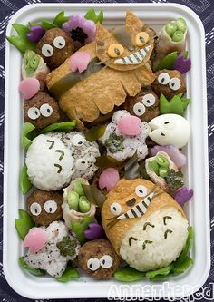 OMG! I need to find time to make these Totoro deliciousness!