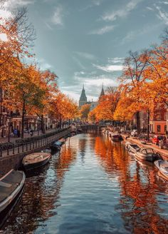 The most beautiful autumn landscapes around the world - Amsterdam's pretty tree-lined canals get an autumnal makeover in the Netherlands. For more beauti - Fall Pictures, Fall Photos, Pretty Pictures, Photos Of Nature, Dream Pictures, Inspiring Pictures, Autumn Photography, Travel Photography, Amsterdam Photography
