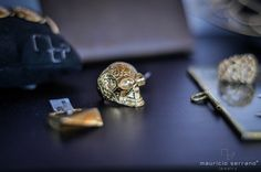 Amamos lo que hacemos y se nota!!! En 1 año 10 nominaciones y 5 premios de diseño internacionales. #UnaVerdaderaJoya Shop www.mauricioserrano.com #MauricioSerrano #Mexico #2015  #Joyas #Jewelry #Plata