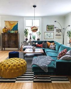 cozy & colorful eclectic living room design ideas for inspiration page 11 Retro Living Rooms, Colourful Living Room, Boho Living Room, Cozy Living Rooms, Home Living, Apartment Living, Living Room Designs, Small Living, Cozy Eclectic Living Room
