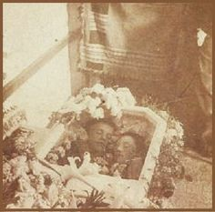 Customer Image Gallery for Sleeping Beauty: Memorial Photography in America Memento Mori Photography, Post Mortem Pictures, Post Mortem Photography, Head In The Sand, Antique Pictures, Momento Mori, Cemetery Art, Daguerreotype, Casket