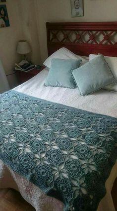 Modèles de couvre-lit en tricot, # knitbedcarpsukenarmmodels # à tricoter - Yatak Örtüsü Modelleri - Crochet Bedspread, Crochet Quilt, Crochet Squares, Crochet Doilies, Granny Squares, Diy Crafts Crochet, Crochet Home, Crochet Mandala Pattern, Crochet Blanket Patterns