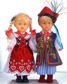 Lalki w Stroju Krakowiaków Wschodnich  /okolice Dąbrowy Tarnowskiej i Zalipia/ Poland Costume, Folk Costume, Costumes, Polish Folk Art, Hello Dolly, My Heritage, 18 Inch Doll, Kaftan, Vintage Toys