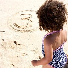Aim Game Draw circles in the sand with a number in each one. Challenge kids to rack up points by tossing stones at the targets. Fun Beach Games, Beach Activities, Indoor Activities For Kids, Beach Fun, Beach Trip, Games For Kids, Beach Play, Beach Ideas, Family Activities