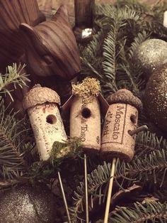 35 Unbelievable DIY Wine Cork Projects Ideas With Tutorials ⋆ Bright Stuffs Wine Craft, Wine Cork Crafts, Wine Bottle Crafts, Wine Bottles, Champagne Cork Crafts, Champagne Corks, Plastic Bottles, Spring Crafts, Holiday Crafts
